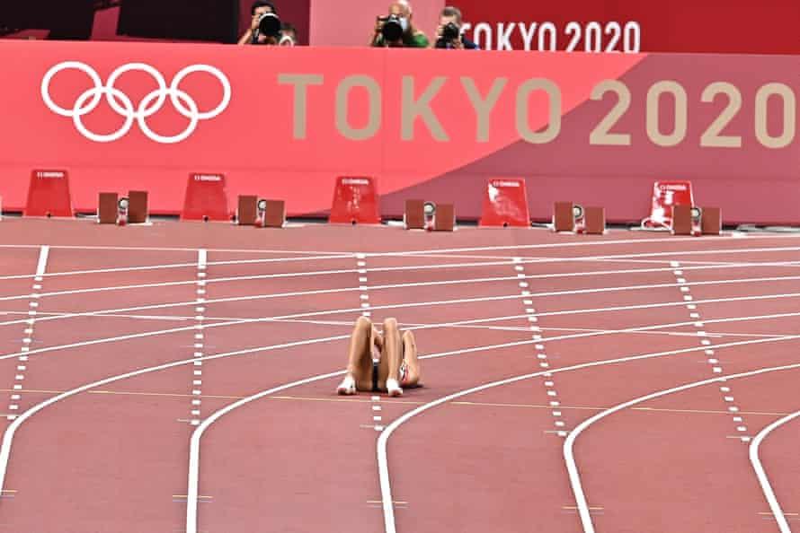 Katarina Johnson-Thompson's hopes ended in the 200m.