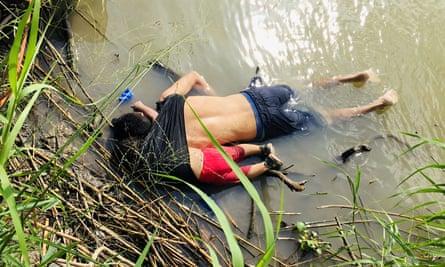 The bodies of Salvadoran migrant Óscar Alberto Martínez Ramírez and his daughter Valeria lie in the Rio Bravo river.