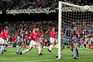 Manchester United 's Ole Gunnar Solskjaer scores the winning goal football