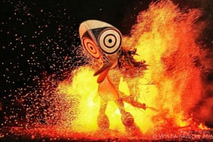 Baining fire dancer mask