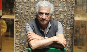 Parviz Tanavoli with his sculpture The Wall (Oh Persepolis), which sold for $2.8m at Christie's New York in 2008.