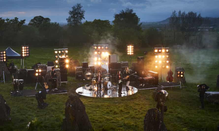 Haim's live performance at the stone circle.