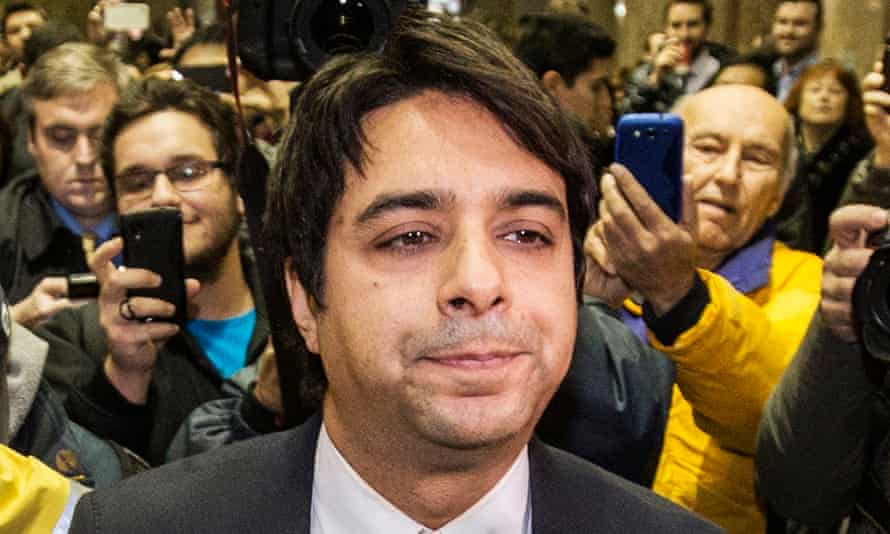Canadian celebrity radio host Jian Ghomeshi leaves court after getting bail on multiple counts of sexual assault in TorontoCanadian celebrity radio host Jian Ghomeshi leaves court with his legal team after getting bail on multiple counts of sexual assault in Toronto November 26, 2014. Ghomeshi, 47, former host of the internationally syndicated music and arts program Q on Canadian Broadcasting Corp radio, surrendered to police and was charged with four counts of sexual assault and one of choking, Toronto police said. REUTERS/Mark Blinch (CANADA - Tags: CRIME LAW ENTERTAINMENT MEDIA)