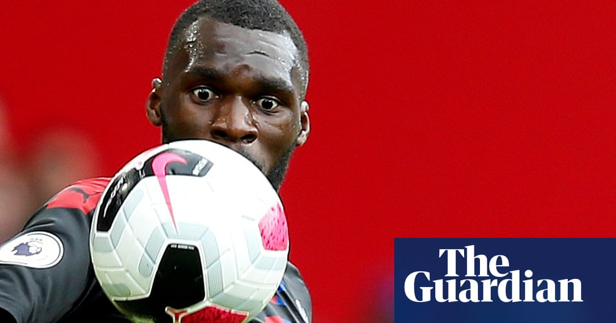 Crystal Palace in talks with Christian Benteke over new contract