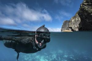 Ercümen swims