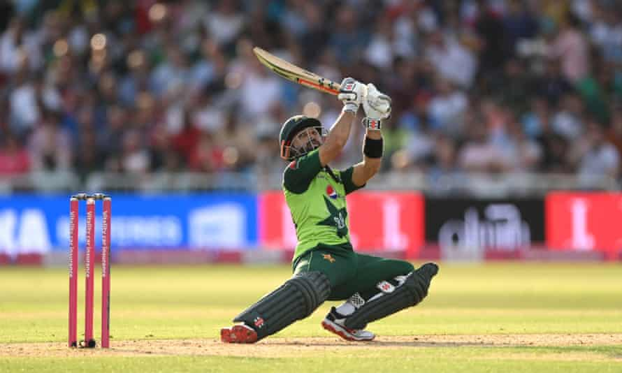 Mohammad Rizwan reached a half-century in 33 balls.
