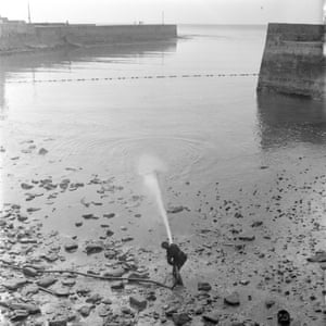 Dispersant sprayed into the harbour