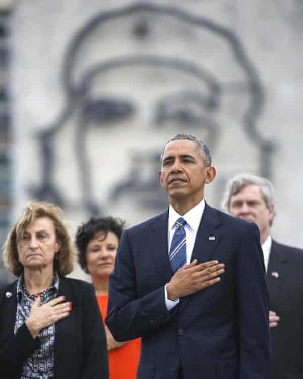 Barack Obama and a monument to Che Guevara on Havana.