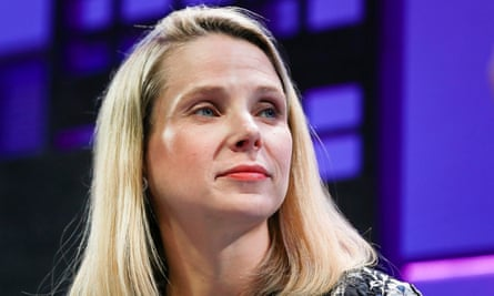 Marissa Mayer asked the board to share her cash bonus among staff after being found wanting over her handling of security laspses.