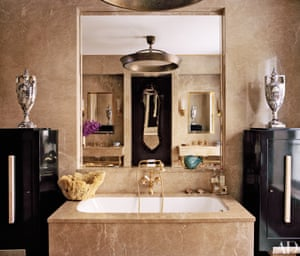 Marc Jacobs's master bathroom.