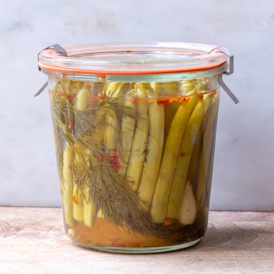 Lip-smacking sourness: dill, garlic and chilli-flavoured green beans.