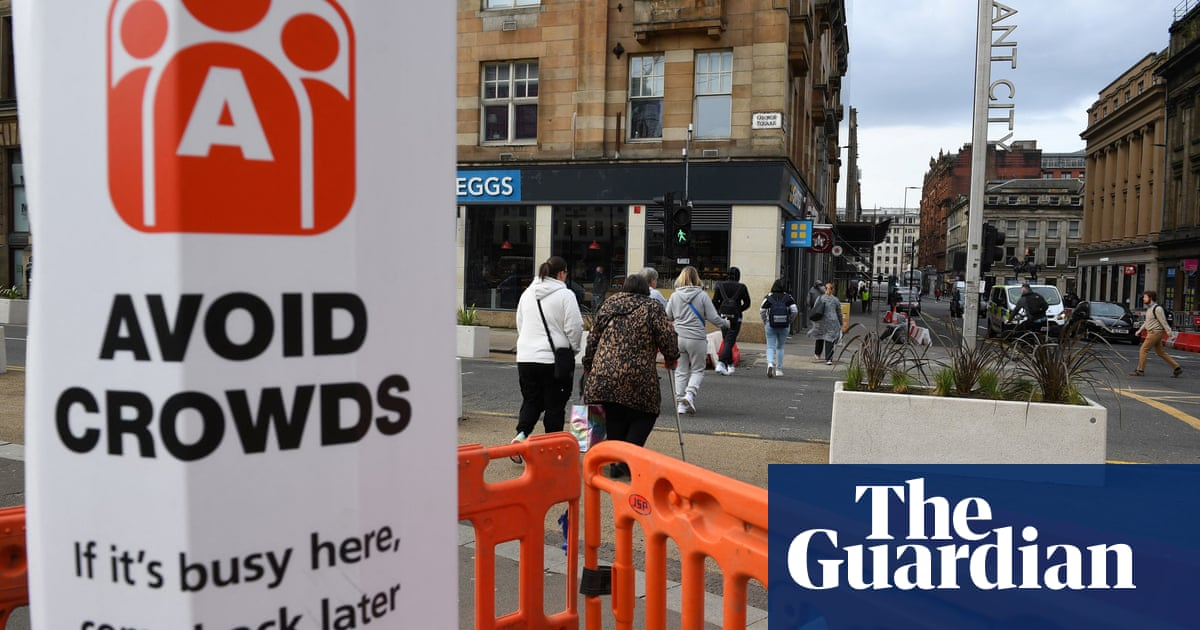 Glasgow to stay in toughest lockdown level as Covid cases rise