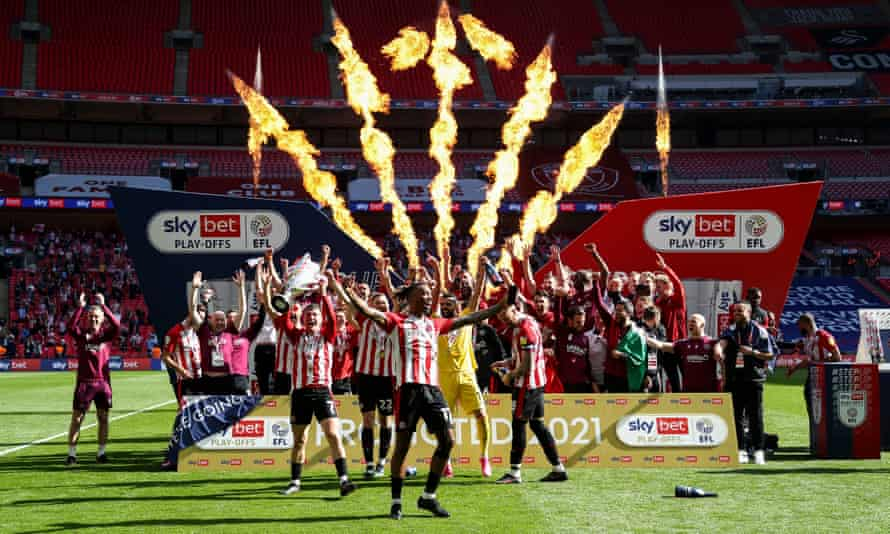 Brentford promoted to Premier League for first time after stinging Swansea    Championship   The Guardian