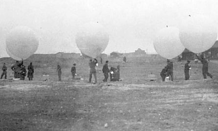 Incendiary balloons being released from Felixstowe in 1942