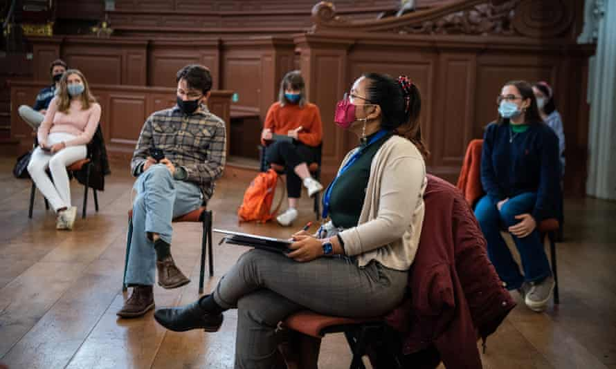 Students attend a socially distanced class meeting at the University of Oxford