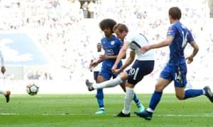 Harry Kane slots home Tottenham's fifth goal