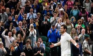 Andy Murray wins match at Wimbledon