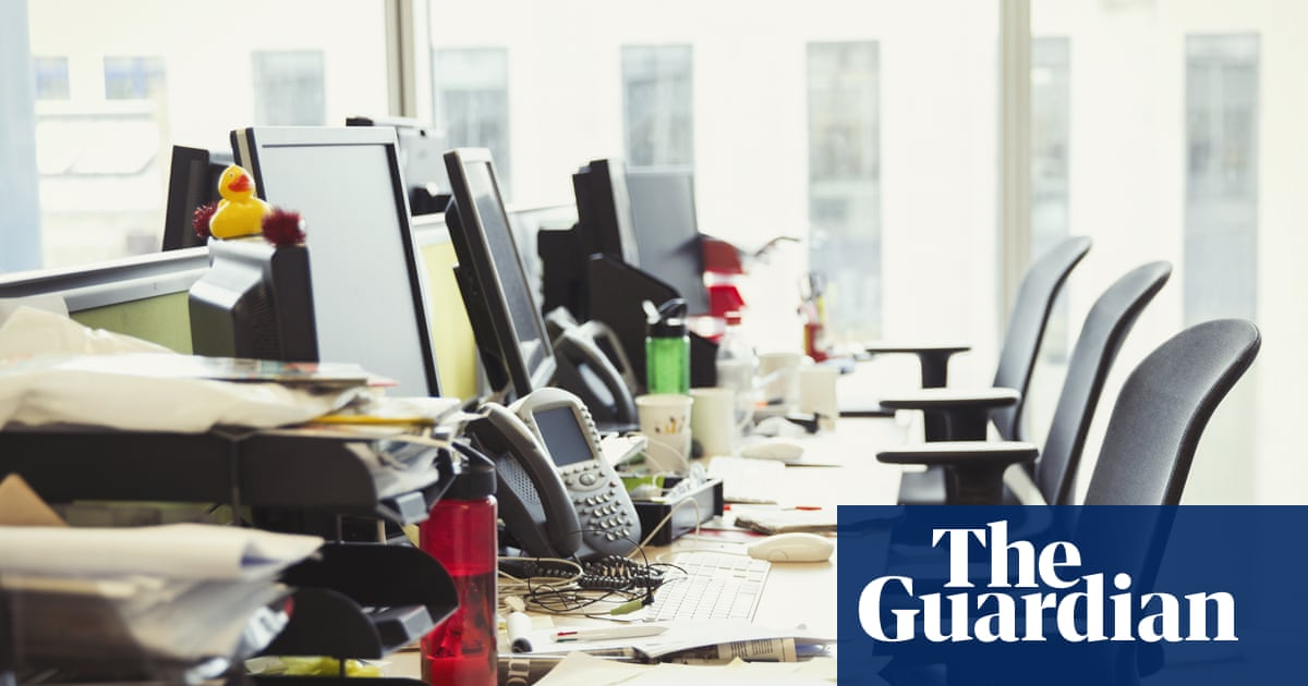 Companies keener on return to UK offices than staff, surveys say