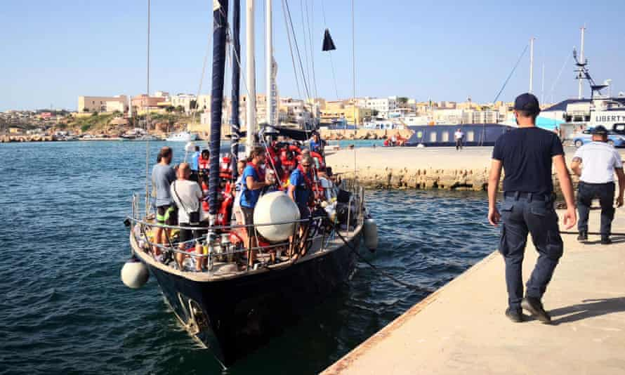 A migrant rescue ship arrives in Lampedusa