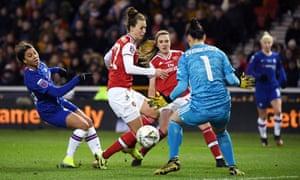 Manuela Zinsberger of Arsenal saves a shot from Sam Kerr of Chelsea.