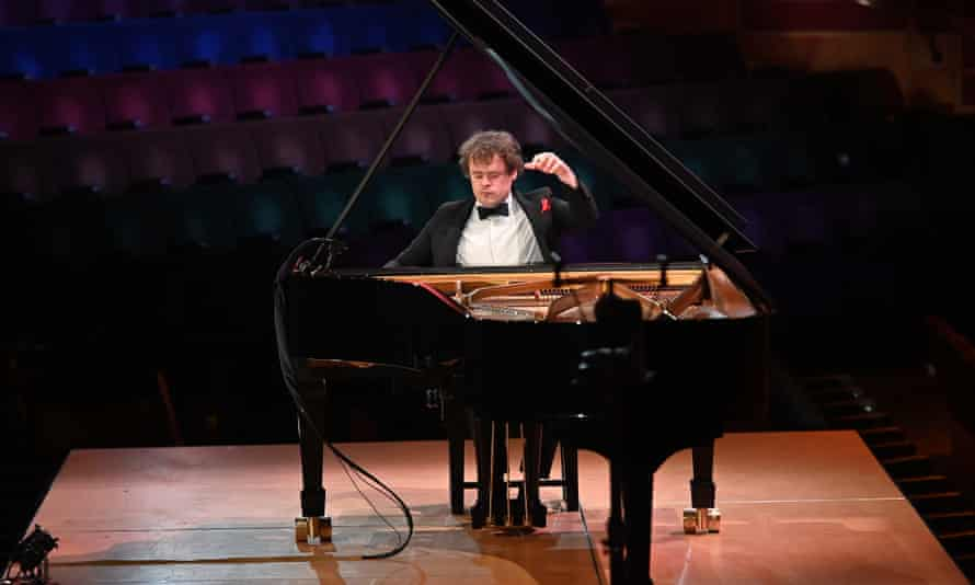 'A model of what an online concert can be' - Benjamin Grosvenor performs at the Barbican.