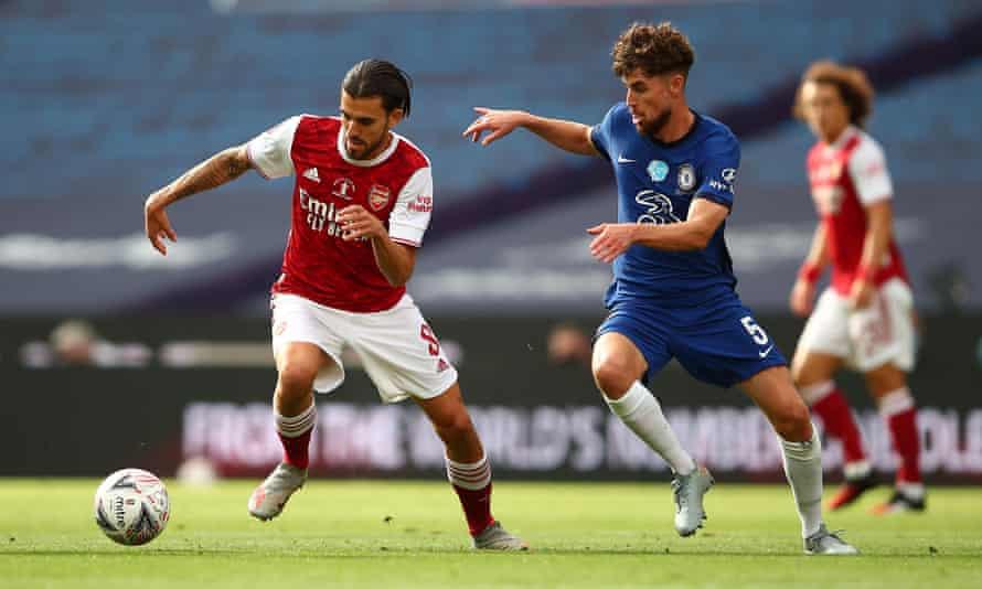 Dani Ceballos steps away from Jorginho as Arsenal won the midfield battle against Chelsea in tyhye FA Cup final.