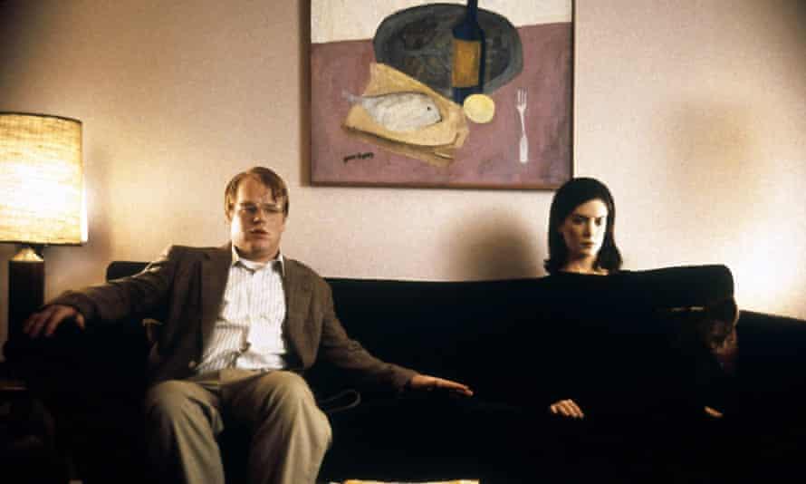 Philip Seymour Hoffman and Lara Flynn Boyle in Happiness.