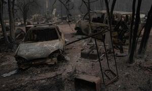 Oregon fires burn as officials fear 'mass fatality incident'