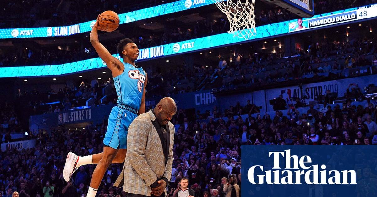 half off 5cd3f 385f0 Diallo leaps over Shaq to win NBA slam-dunk contest as Harris shocks Steph  Curry