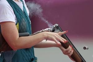 Laetisha Scanlan reloads a smoking gun during the trap women's qualification