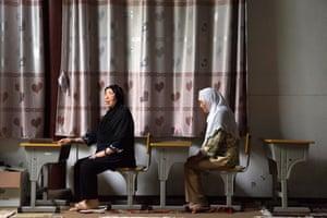 Women at Koran class, Fuyou Road Mosque (2013)