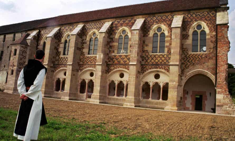 A Cistercian monk and the library of Citeaux Abbey
