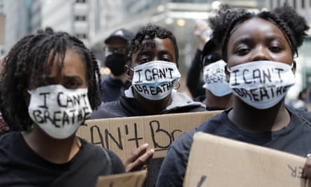 Chicagoans protest on 30 May over the death of George Floyd.