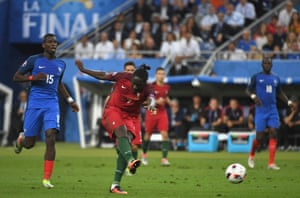 Eder scores the opening goal.