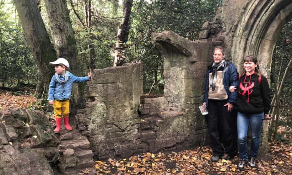 family Go Jauntly walk in Sydenham Woods, London