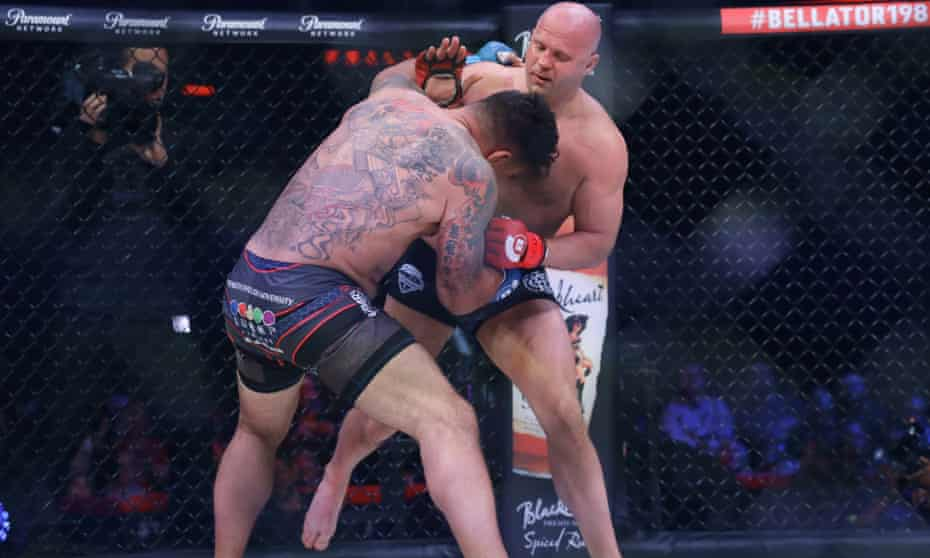 Fedor Emelianenko, right, of Russia, fights Frank Mir in a heavyweight mixed martial arts bout at Bellator in Rosemont, Illinois, on Saturday.