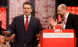 The outgoing SPD leader, Sigmar Gabriel (left), with Martin Schulz
