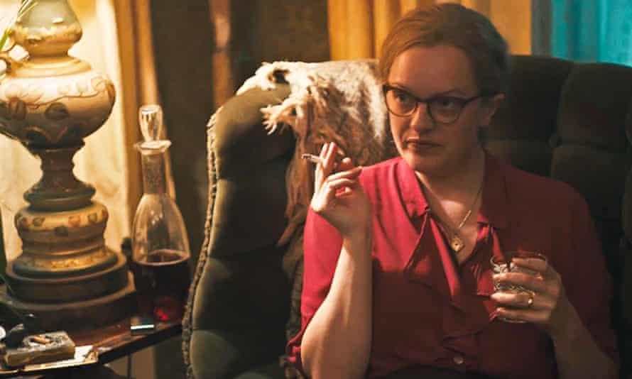 Elisabeth Moss in Shirley (2020).