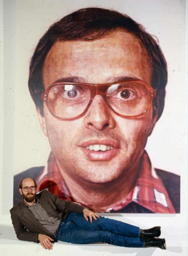 Chuck Close photographed in 1981 at his retrospective at the Whitney in New York.