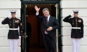 Petro Poroshenko arrives for dinner at the White House