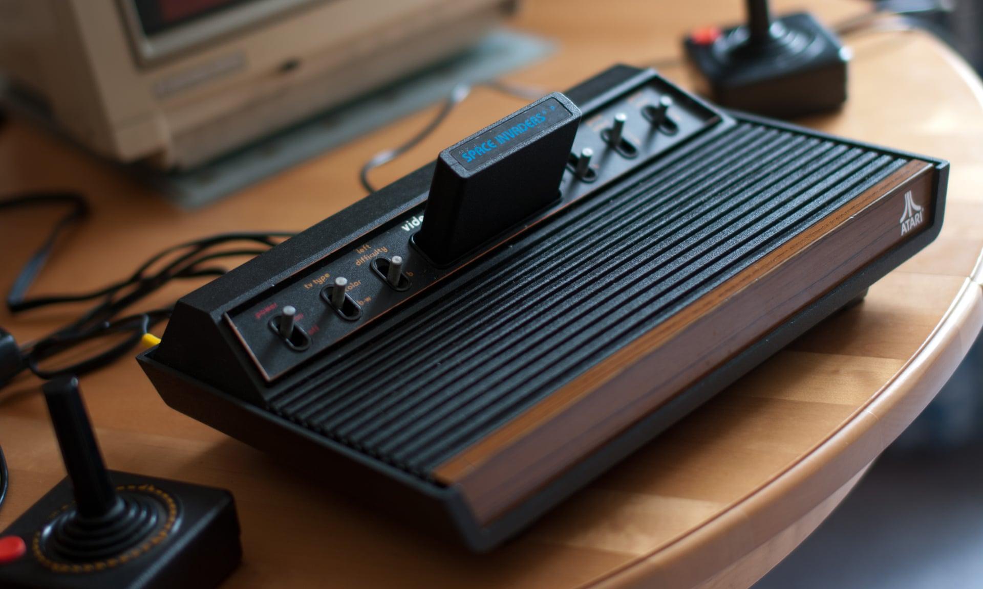 [Из песочницы] 10 самых красивых игровых консолей всех времен и народов
