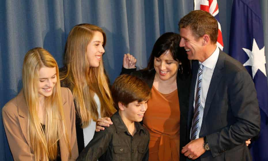 Mike Baird with his family during a press conference at NSW Parliament in Sydney, Thursday, April 17, 2014. (AAP Image/Daniel Munoz) NO ARCHIVING