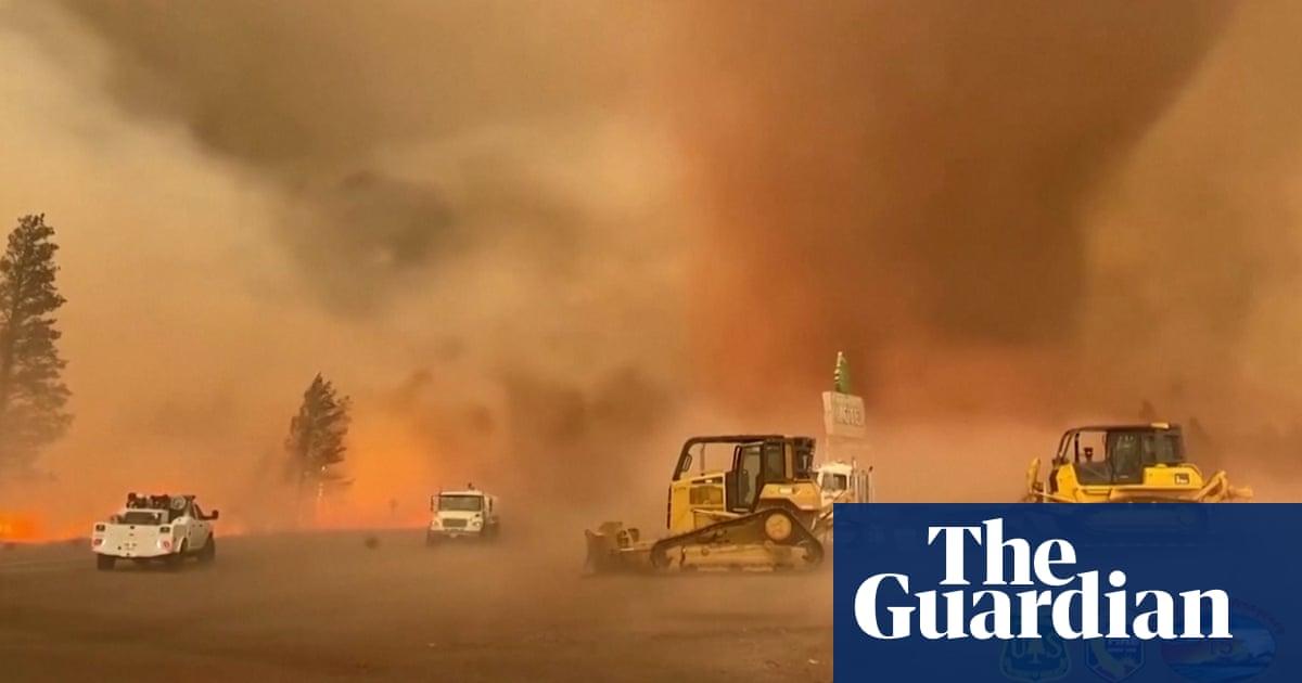 California: strong winds form fire tornado during Tennant blaze – video