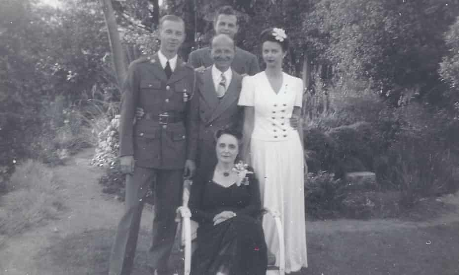 Santa Monica, 1944 … clockwise from left: Peter Frank, Martin Frank, Harriet Frank Jr, Harriet Frank Sr; centre, Sam Frank