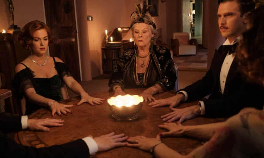 Judi Dench as Madame Arcati, with Leslie Mann and Dan Stevens in Blithe Spirit