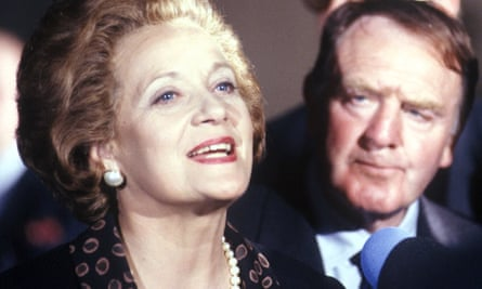 Glyn Houston as Bernard Ingham with Sylvia Syms as Margaret Thatcher in the TV film Thatcher: The Final Days, 1991.