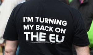 Man wearing anti-EU T-shirt