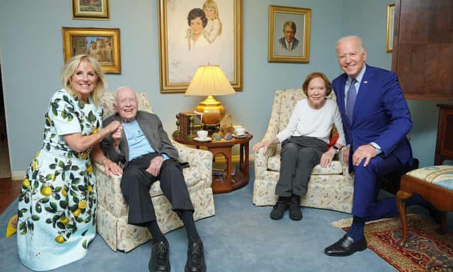 US president Joe Biden and his wife Jill visit Jimmy Carter and wife Rosalynn.