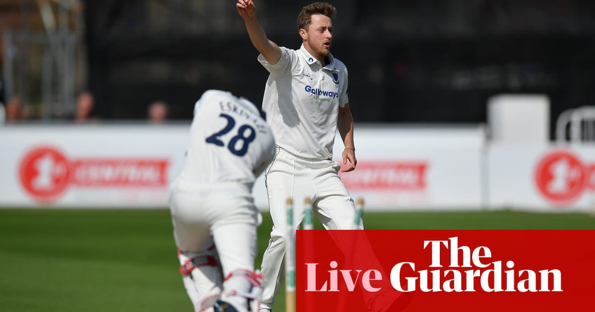 County cricket: Robinson's 10-wicket haul puts Sussex in command – as it happened