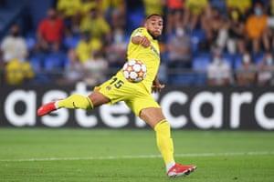 Arnaut Danjuma thmps home Villarreal's second goal.